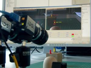 Das System zum 3D-maschinellen Sehen ahmt die Funktionsweise des Auges nach und liefert exakte Informationen über den Standort und die Identifikation eines Objekts im Raum