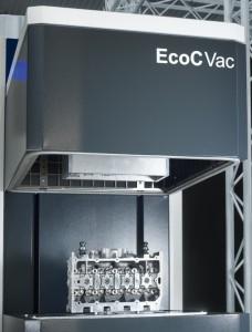 Das Trockenreinigungssystem EcoCVac wurde für die energiesparende Zwischenreinigung von Powertrain-Bauteilen entwickelt. Es arbeitet ohne Druckluft.