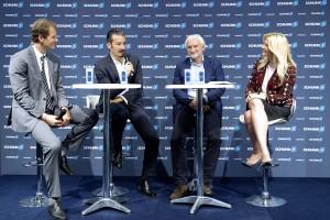 Beim SCHUNK Technik-Torwart-Talk analysierten die Jens Lehmann, Gianluca Zambrotta und Rudi Völler den europäischen Fußball. Moderiert wurde die Talkrunde von der Sky Champions League Chefreporterin Jessica Kastrop (v.l.n.r.).